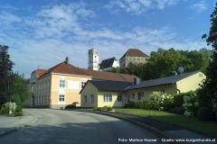 Um die heutige Hauptstraße gruppieren sich die ältesten Gebäude in Arbing.