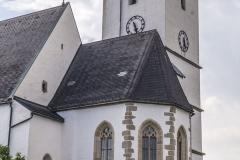 Im Dehio wird der Kirchturm und der Chor in die Zeit um 1510 datiert.