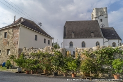 Ansicht der Kirche Arbing mit dem Mauerprojekt nach Entwürfen von Gottfried Kranzl.