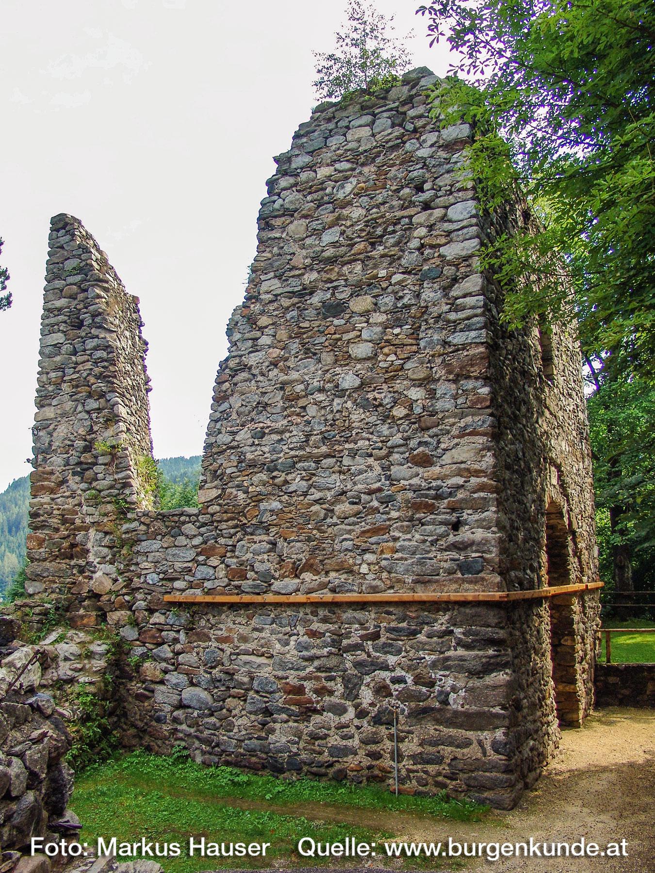 Burgruine-Gomarn-Bad-St-Leonhard-Kaernten-019