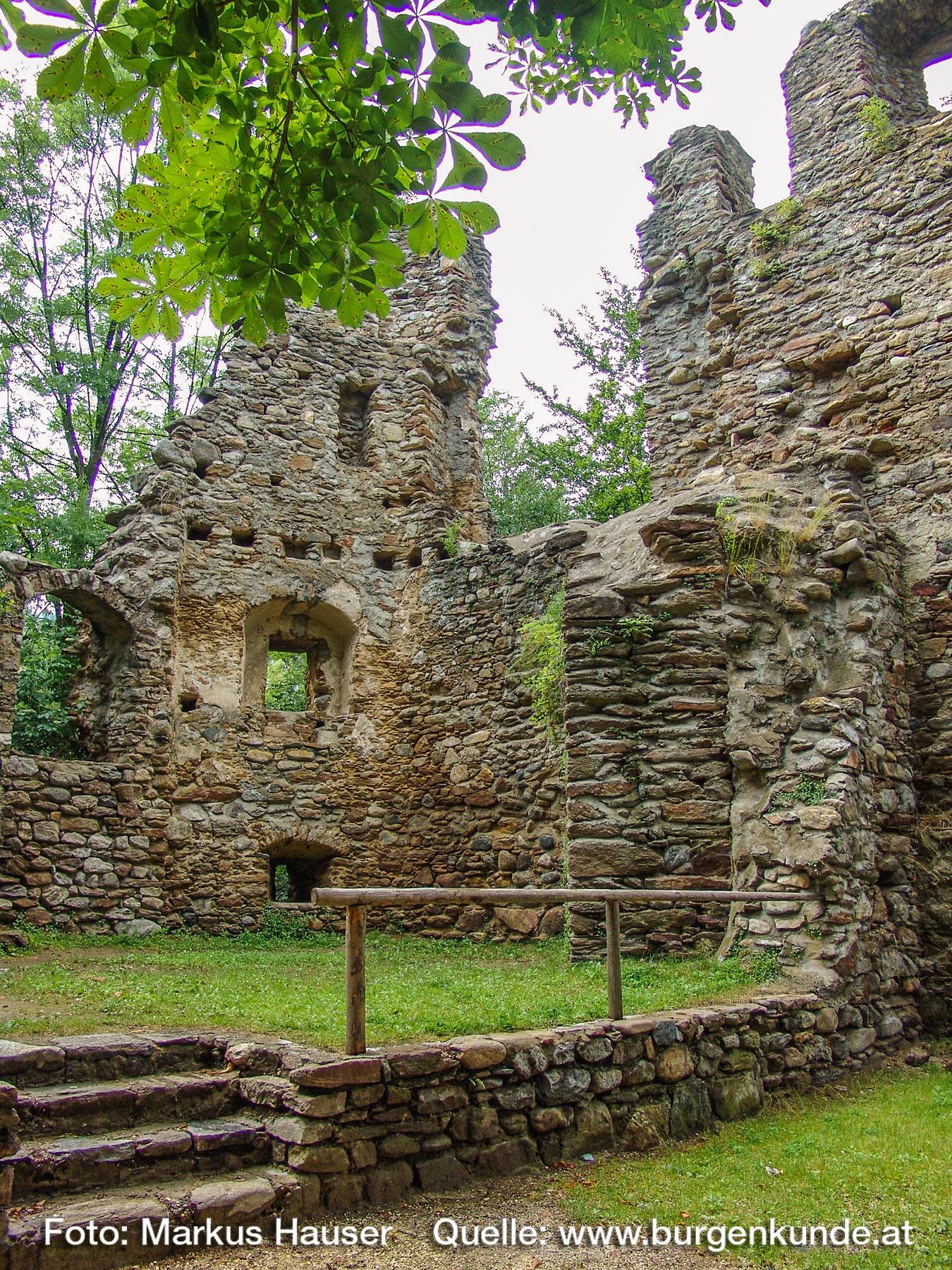 Burgruine-Gomarn-Bad-St-Leonhard-Kaernten-029