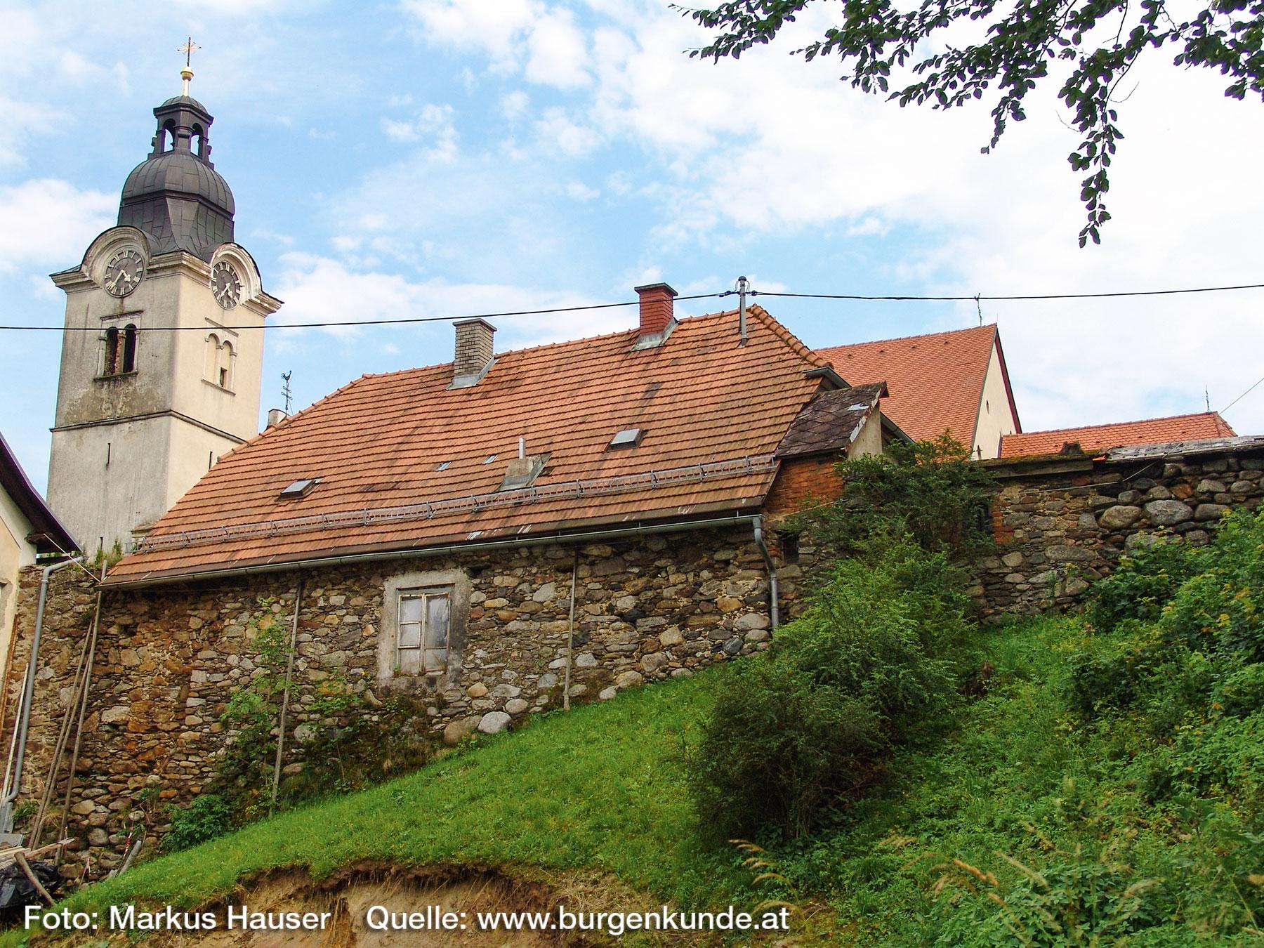 Burgruine-Gomarn-Bad-St-Leonhard-Kaernten-047