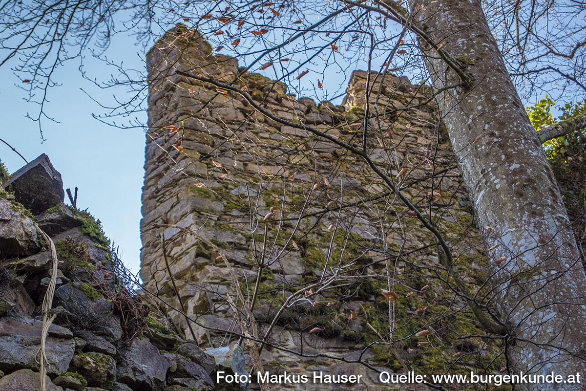 Ostseite der Kernburg.