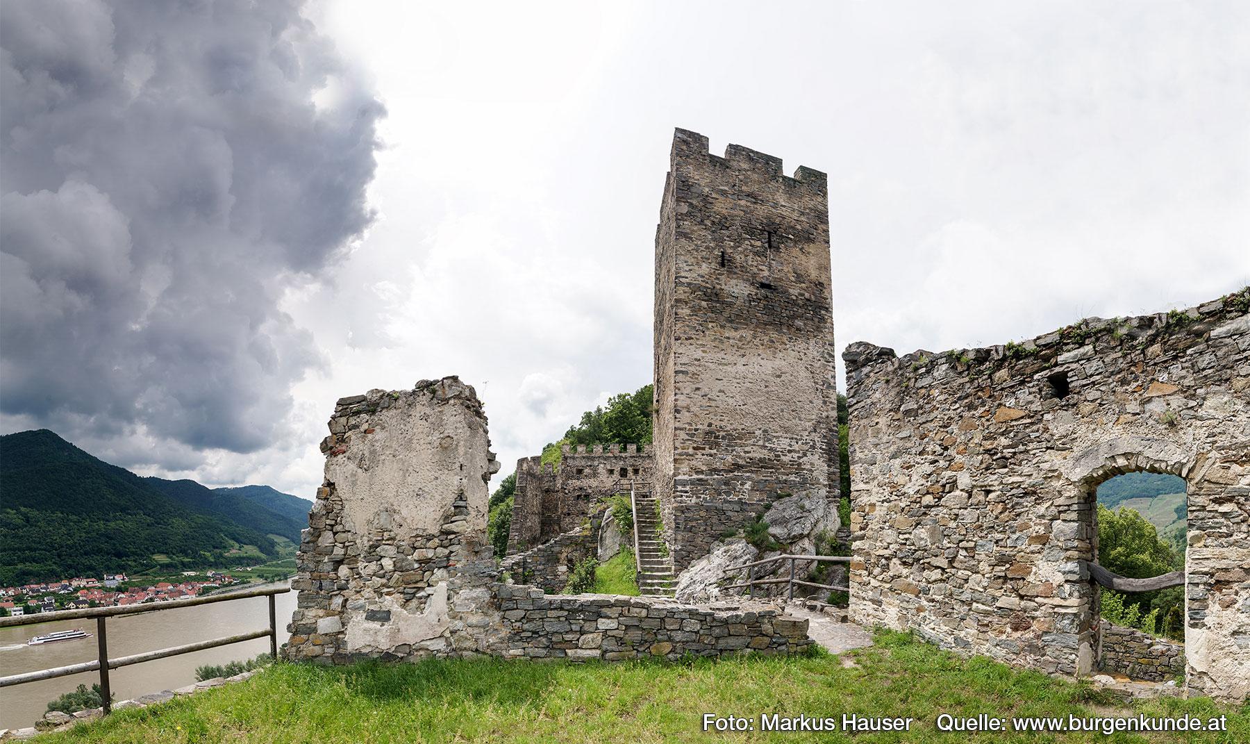 Blick zum Bergfried.