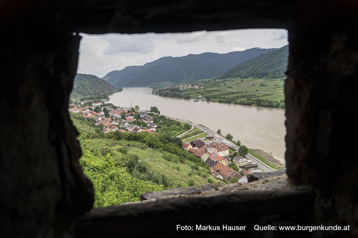 Auch bietet sich hier ein wunderbarer Ausblick auf das Donautal.