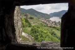 Der Blick reicht gar bis zum 1000 Eimer Berg und der MG Spitz an der Donau.