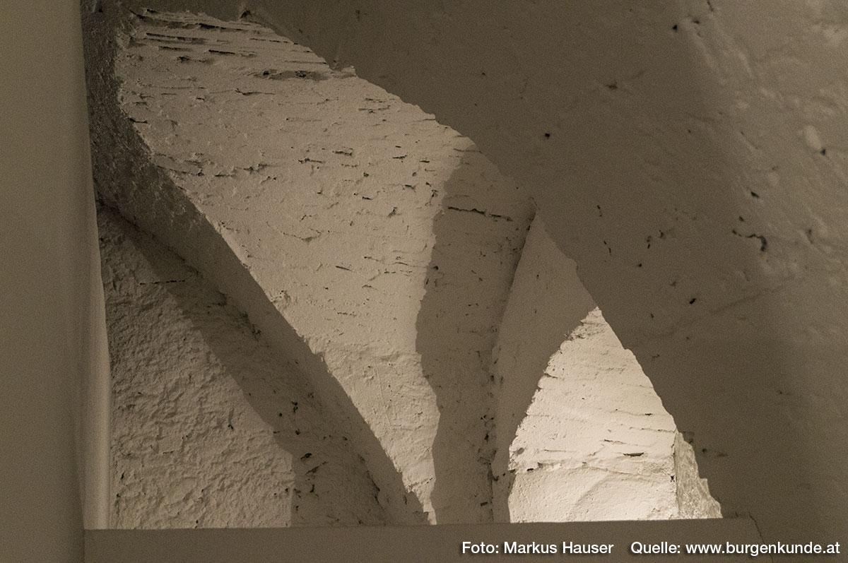 Das ehemalige Verlies zeigt auch noch einige Stichkappengewölbe.