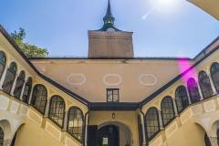 Der bei einem Blitzeinschlag zerstörte Turm wurde in den 1980er Jahren in reduzierter Form durch den damaligen Besitzer Ing. Lutzky wiederaufgebaut.