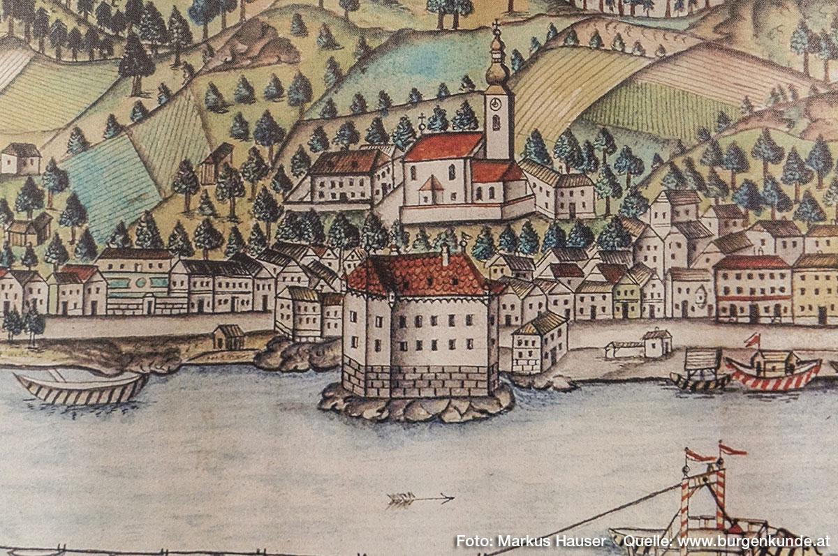 Schloss Pragstein auf diesem Stich im Detail. Ohne Ausfalltor an der donauseitigen Südseite, dafür mit Ecktürmchen.