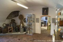 In der Ecke dieses Raumes im Apothekenmuseum dürfte sich einst eine offene Feuerstelle befunden haben.