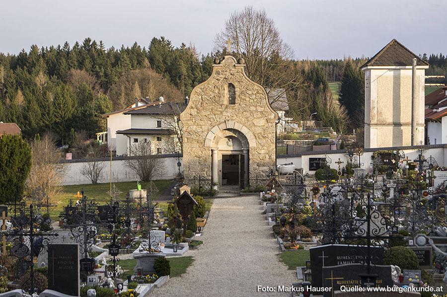Der Friedhof der Kirche zu Reichenthal samt Gruft.