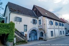 Der einstige Lesehof des Stiftes Suben, der Subenhof, stammt im Baukern noch aus dem 15./16. Jhdt.