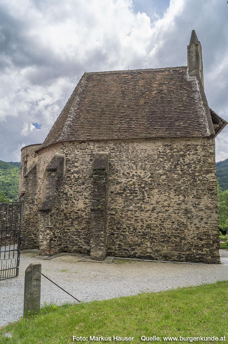 Die Kapelle von Norden aus gesehen.