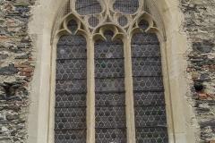 Großes Maßwerkfenster aus der Zeit der Gotik.